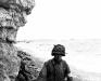 Normandia, 6 VI 1944 rok- Medyk 3 Batalionu 16 Pułku na miejscu prowizorycznego punktu ratunkowego.