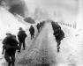 Belgia, 31 I 1945 rok- Kompania L, 3 Batalionu 16 Pułku maszeruje w kierunku Murringen.