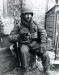Niemcy, 25 II 1945 rok- Pvt. Michael Swinkin z Kompani B 1 Batalionu 16 Pułku przed przekroczeniem rzeki Roer nieopodal Kreuzau.