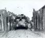 Niemcy, 3 III 1945 rok- 745th Tank Battalion wyrusza na pozycje z miejscowości Gladbach.