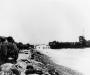 Normandia, 6 VI 1944 rok- Oddziały szturmowe 3 Batalionu, 16 Pułku przed wyruszeniem w głąb kontynentu; Colleville-sur-Mer.